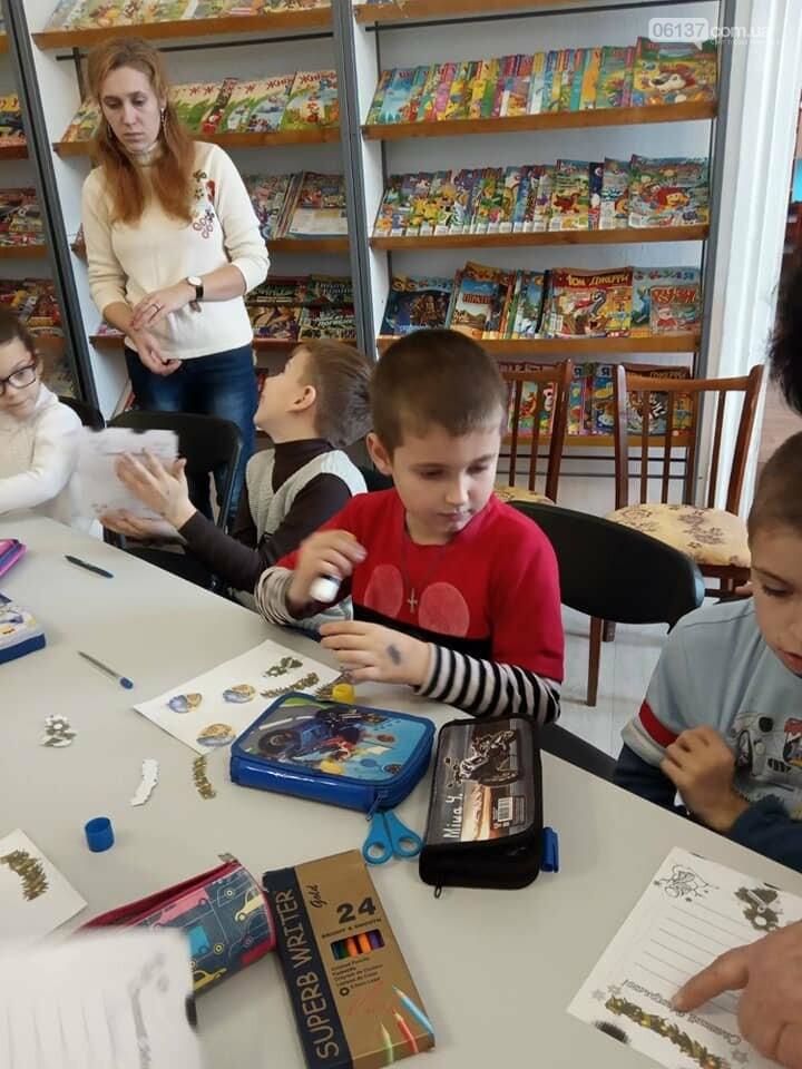 Приморская городская библиотека готовится к новогодним праздникам, фото-1