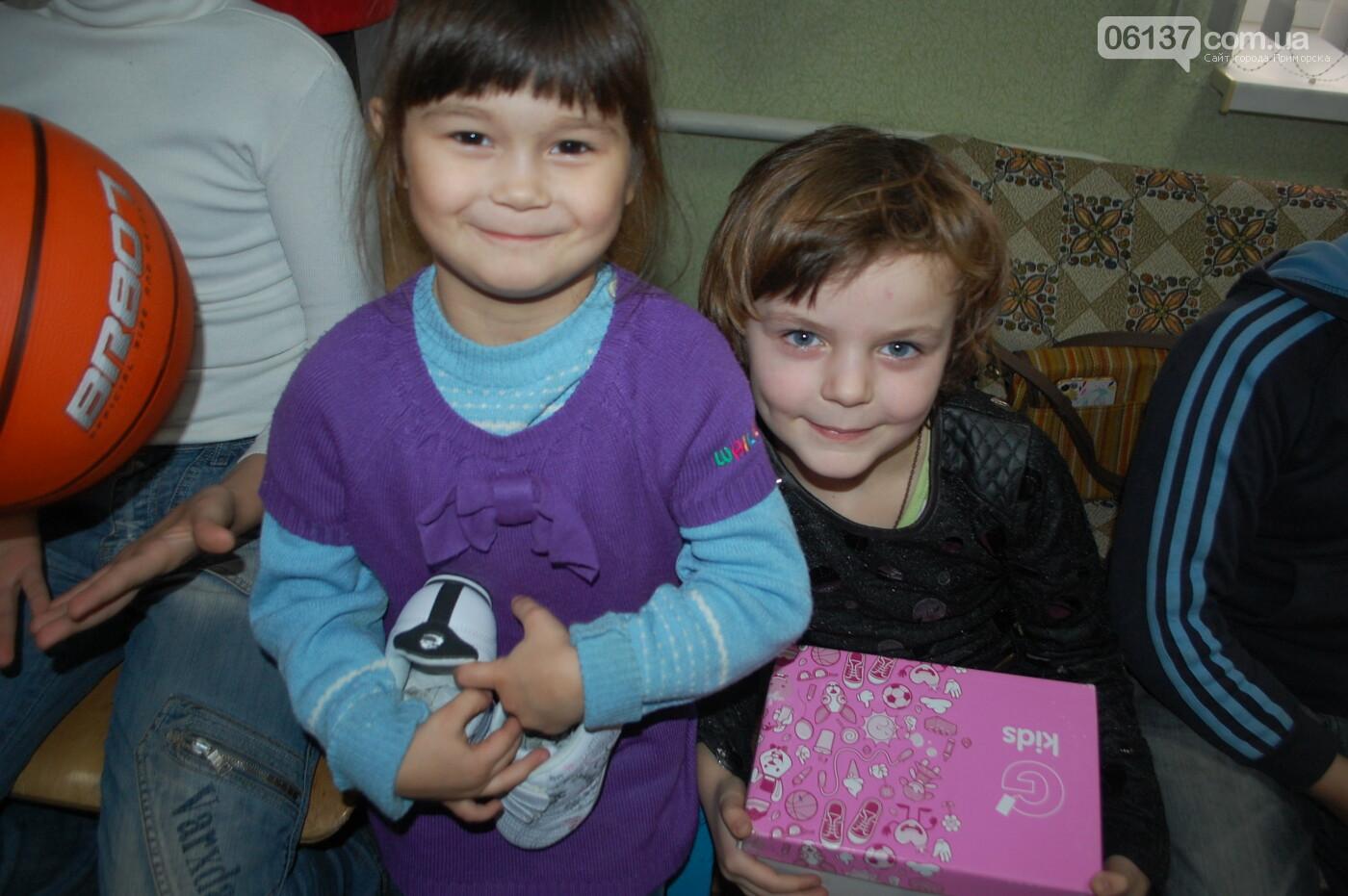 Святой Николай побывал вчера в Преславской специализированной школе-интернате, фото-3