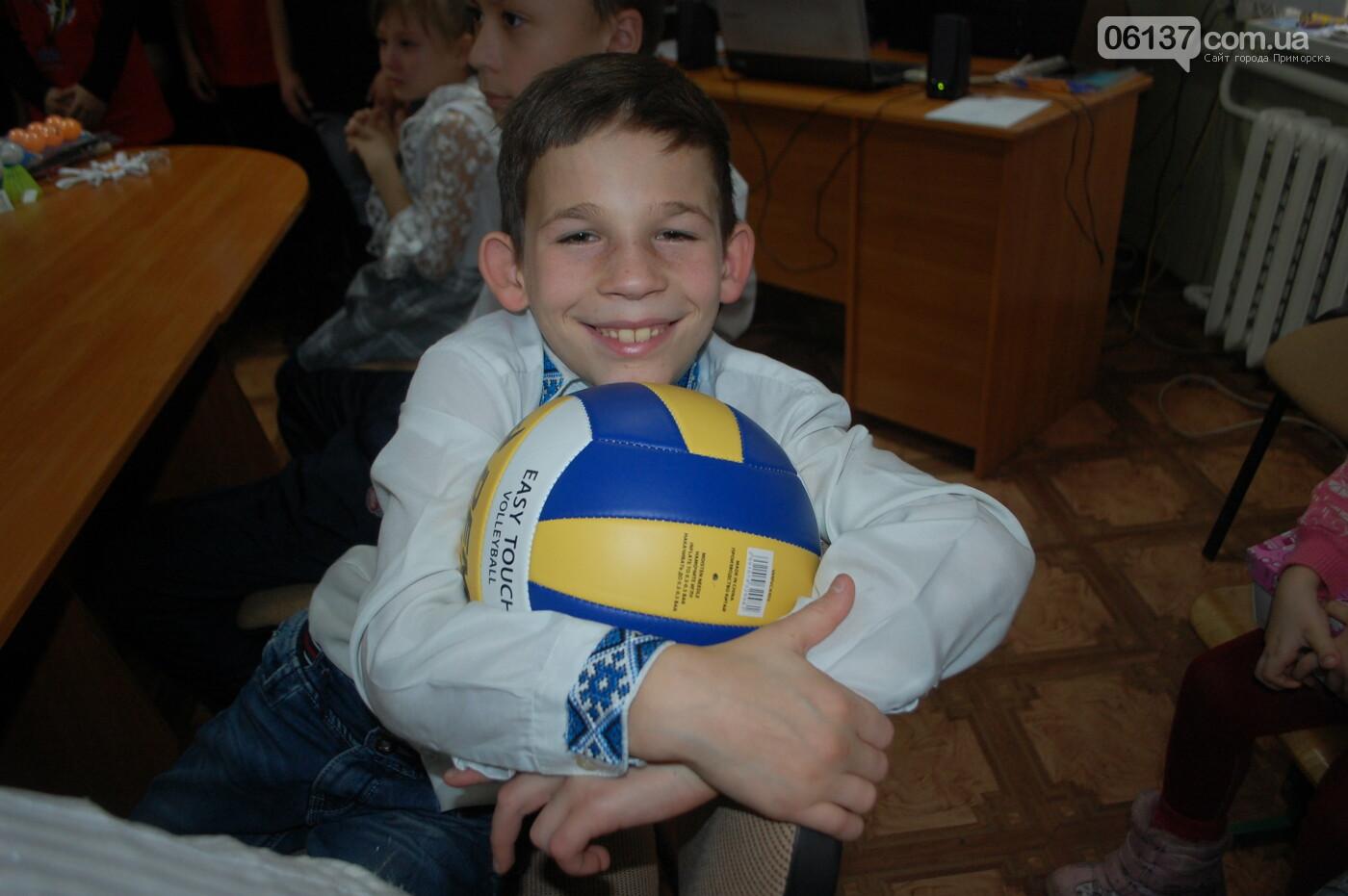 Святой Николай побывал вчера в Преславской специализированной школе-интернате, фото-4