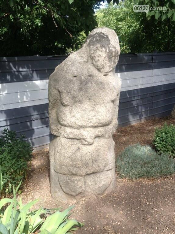 Каменные бабы в Приморске - памятники древней культуры, фото-1