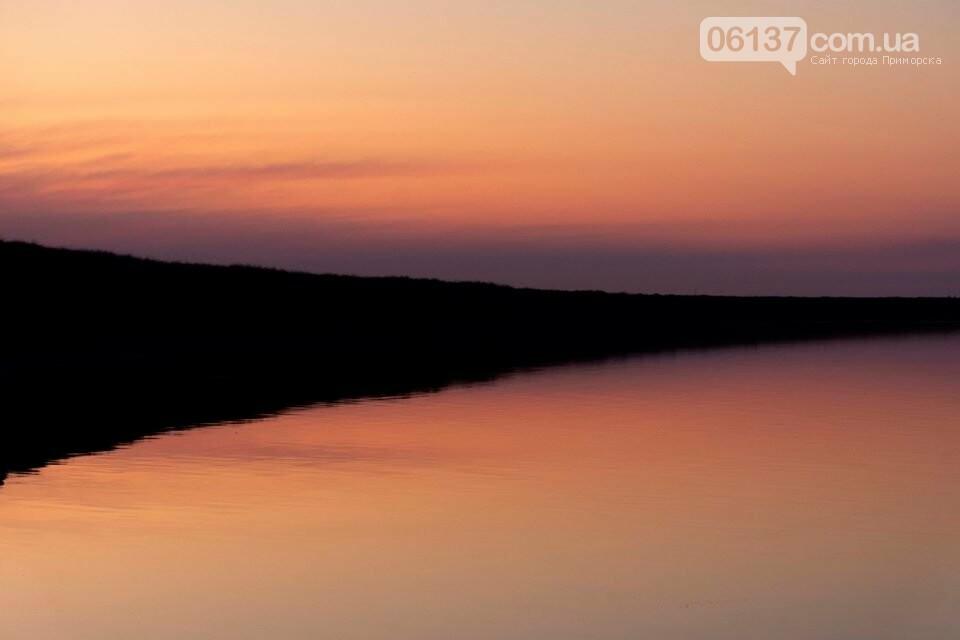 Запорожский фотограф сделал потрясающие снимки озера Сиваш и Арабатской стрелки. Фото  , фото-13