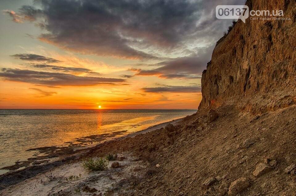 Запорожский фотограф сделал потрясающие снимки озера Сиваш и Арабатской стрелки. Фото  , фото-9