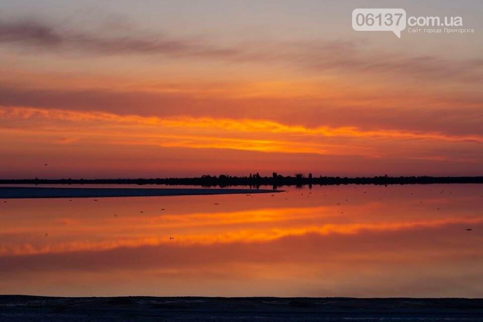 Запорожский фотограф сделал потрясающие снимки озера Сиваш и Арабатской стрелки. Фото  , фото-10