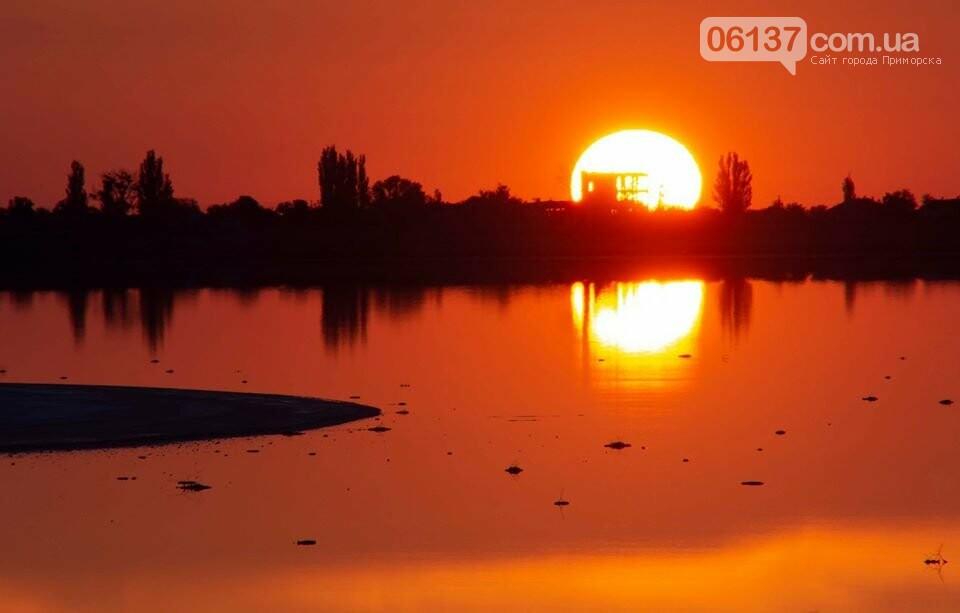 Запорожский фотограф сделал потрясающие снимки озера Сиваш и Арабатской стрелки. Фото  , фото-11