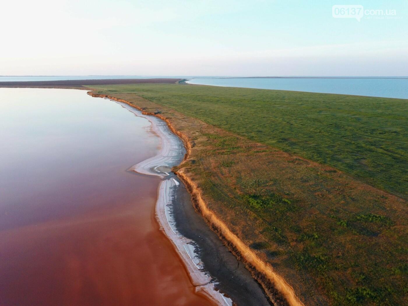 Запорожский фотограф сделал потрясающие снимки озера Сиваш и Арабатской стрелки. Фото  , фото-14
