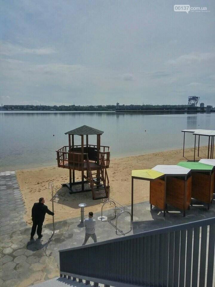 В Запорожье завершили реконструкцию Правобережного пляжа: чего не хватает для открытия. Фото , фото-2