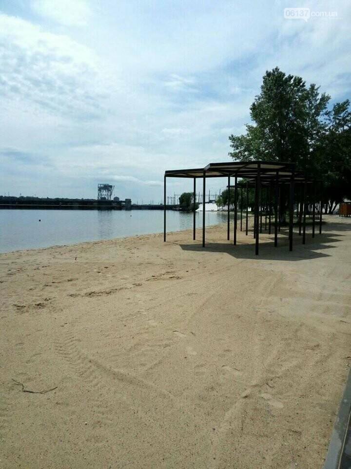 В Запорожье завершили реконструкцию Правобережного пляжа: чего не хватает для открытия. Фото , фото-5