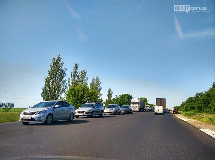 Пробки из-за ремонта на трассе Запорожской области: что происходит сегодня. Фото, фото-1
