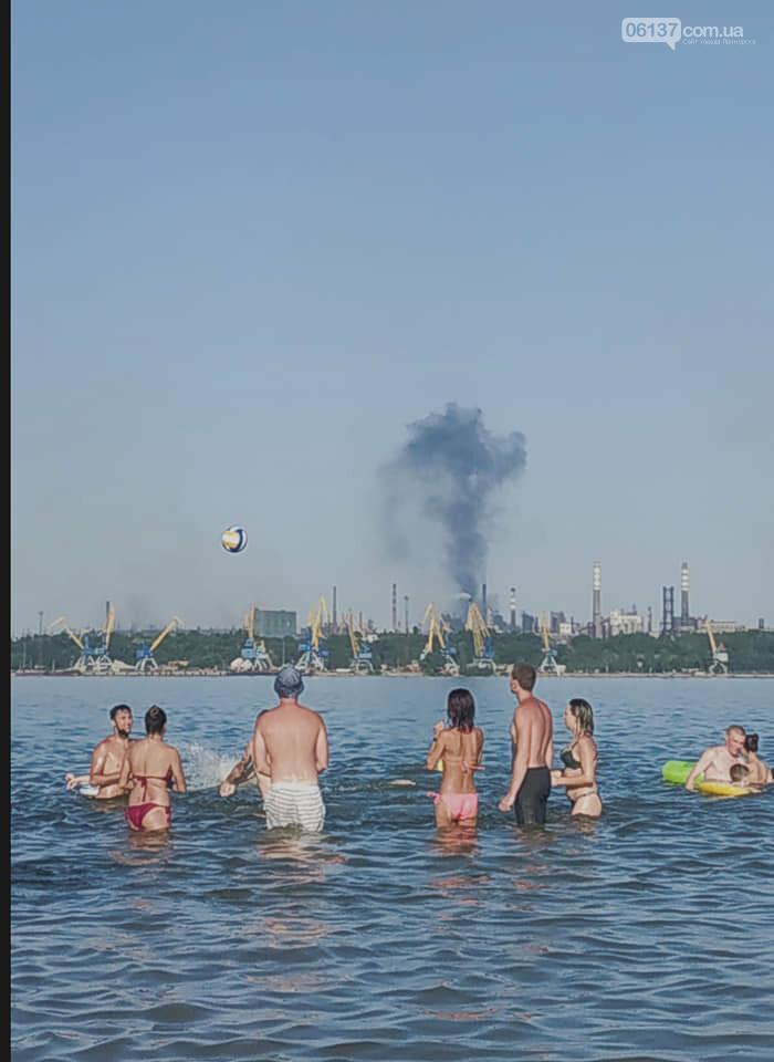 Вид с нового запорожского пляжа: апокалипсис грядет. Фото/Видео  , фото-1