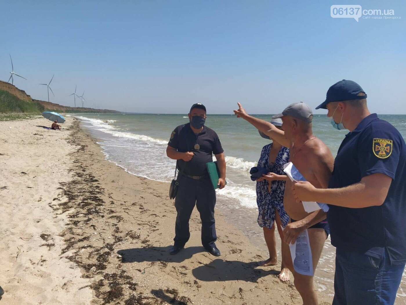 На курортах Запорізької області рятувальники разом з поліцією проводять профілактику безпеки на воді, фото-1