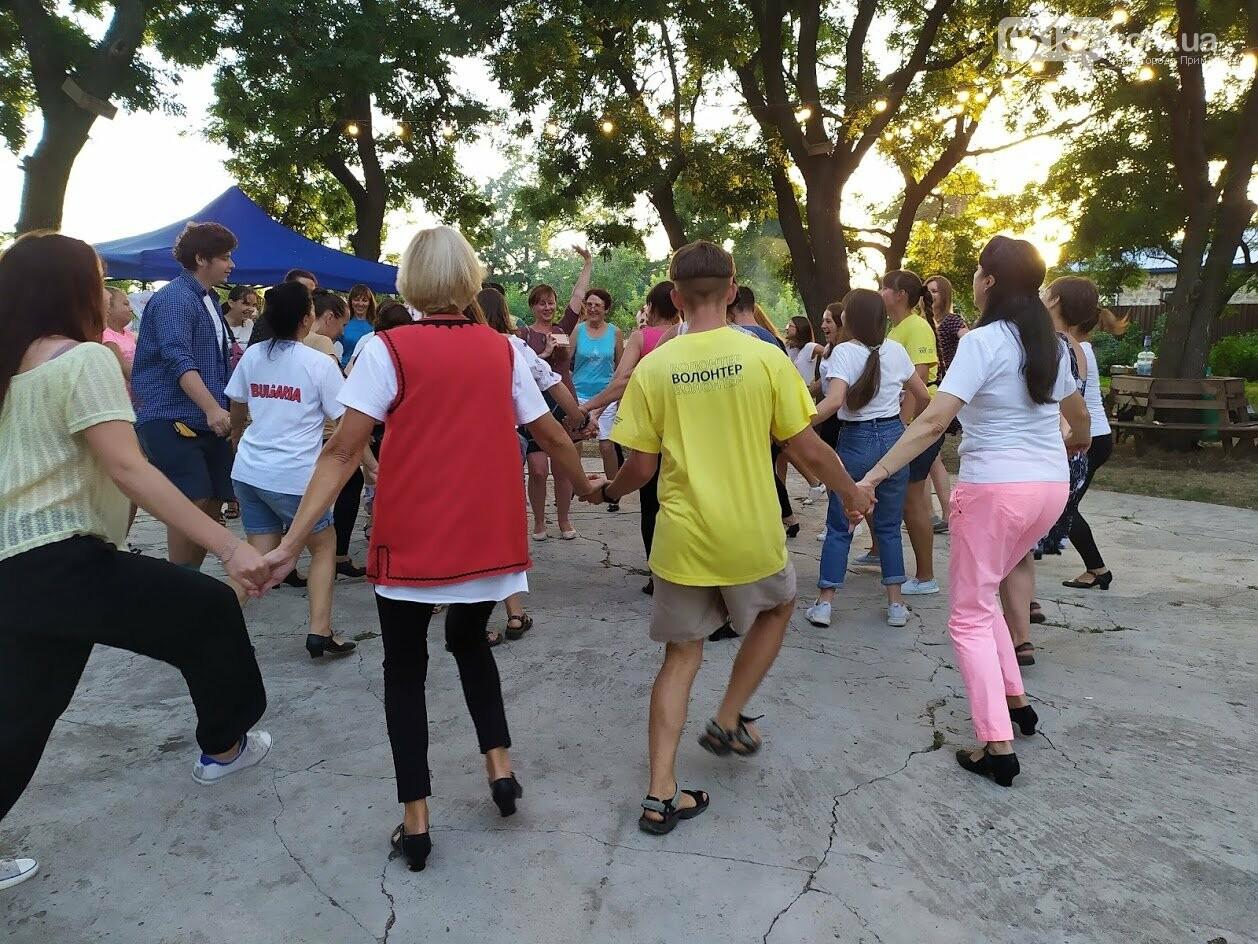 Вчора БУРівці в Приморську вчились танцювати запальне болгарське хоро, фото-3