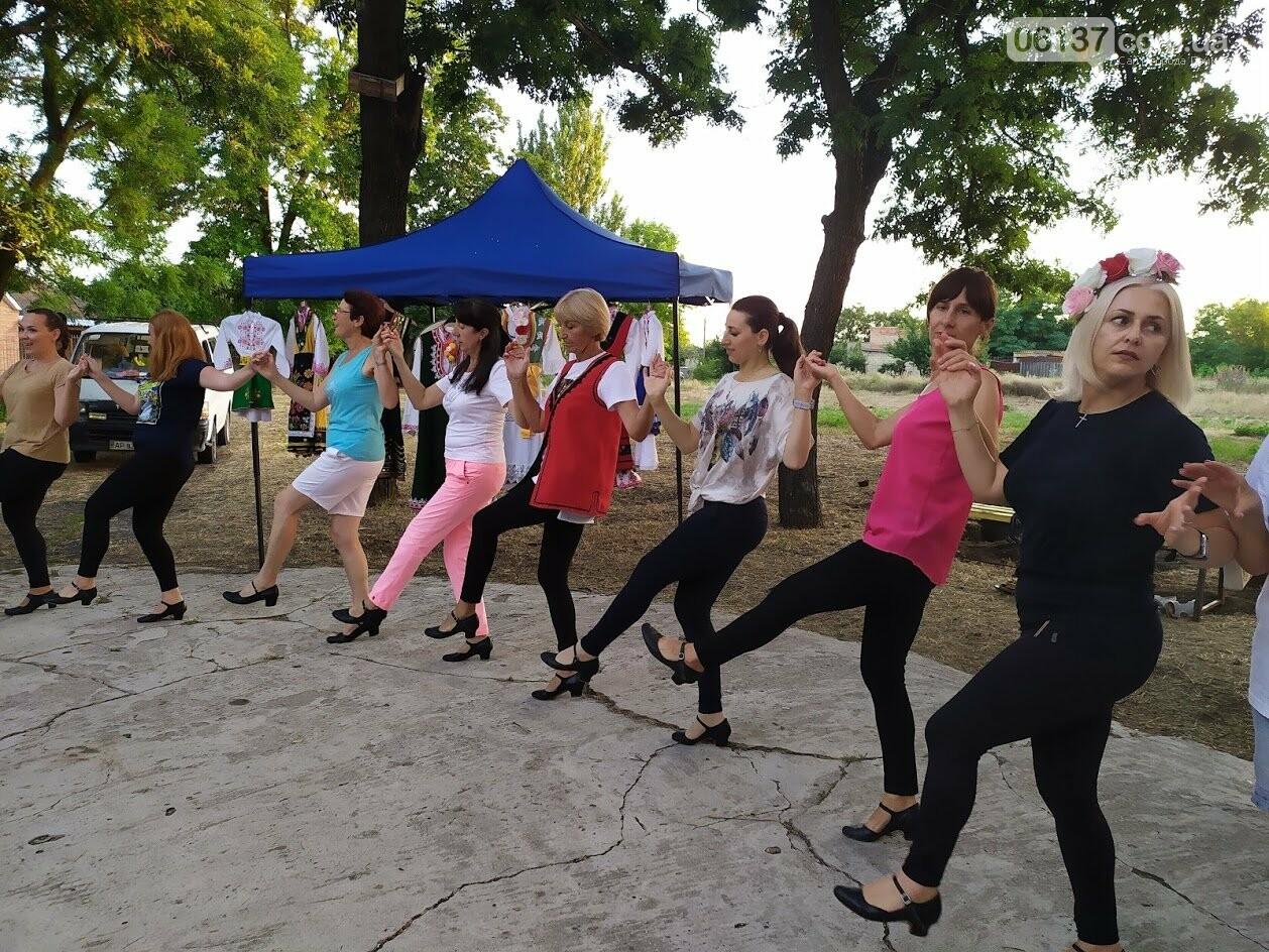 Вчора БУРівці в Приморську вчились танцювати запальне болгарське хоро, фото-5