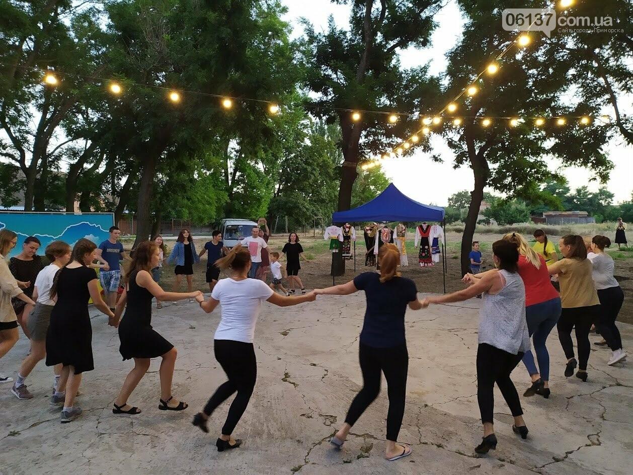 Вчора БУРівці в Приморську вчились танцювати запальне болгарське хоро, фото-6