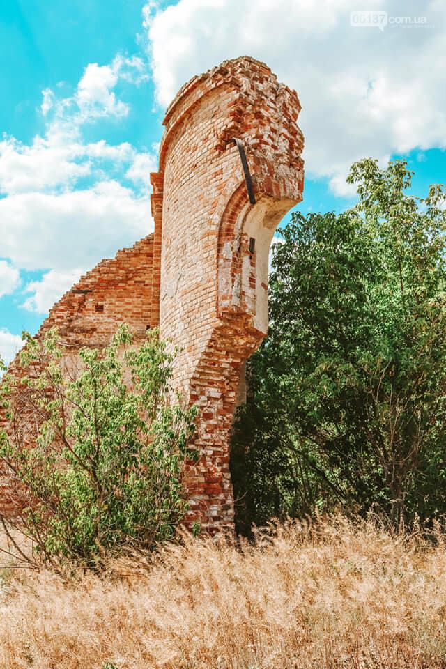 Под Запорожьем нашли руины старинной церкви. Фото, фото-3