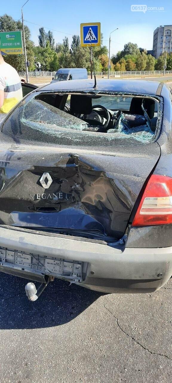 В Запорожье на набережной мотоциклист попал в аварию. Фото  , фото-1