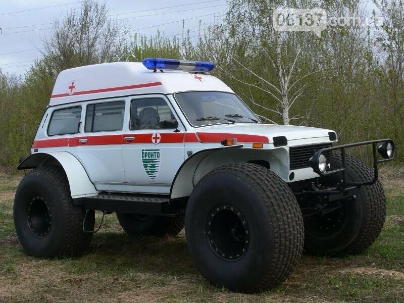 В Запорізькій області автомобіль швидкої прямуючи на виклик застряг у багнюці, фото-1