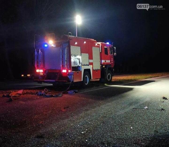 Под Запорожьем автобус столкнулся с трактором: погиб водитель автобуса. Фото, фото-4