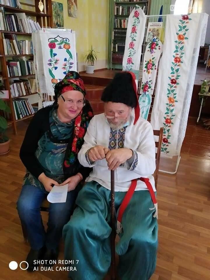 В Приморську  в літературно-музичній вітальні вшановували традиції української хустки, фото-3