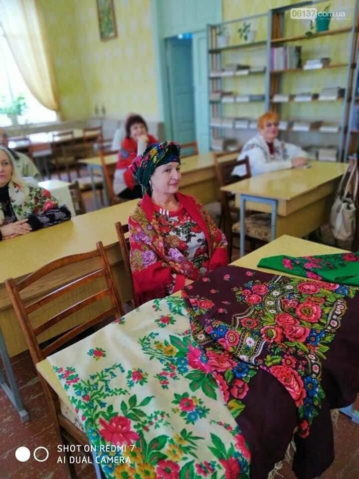 В Приморську  в літературно-музичній вітальні вшановували традиції української хустки, фото-4