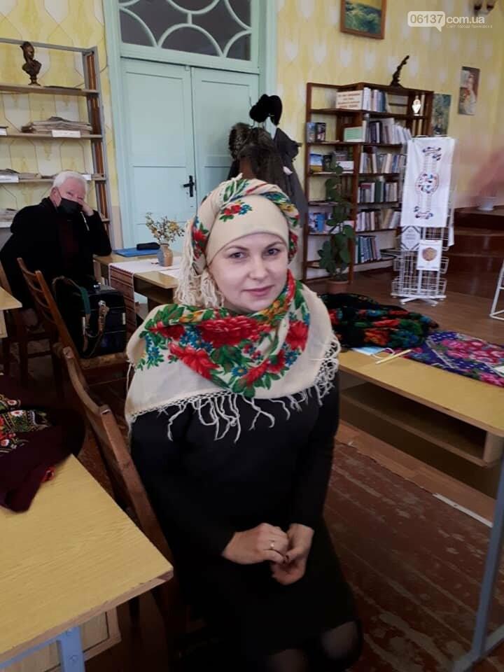 В Приморську  в літературно-музичній вітальні вшановували традиції української хустки, фото-5