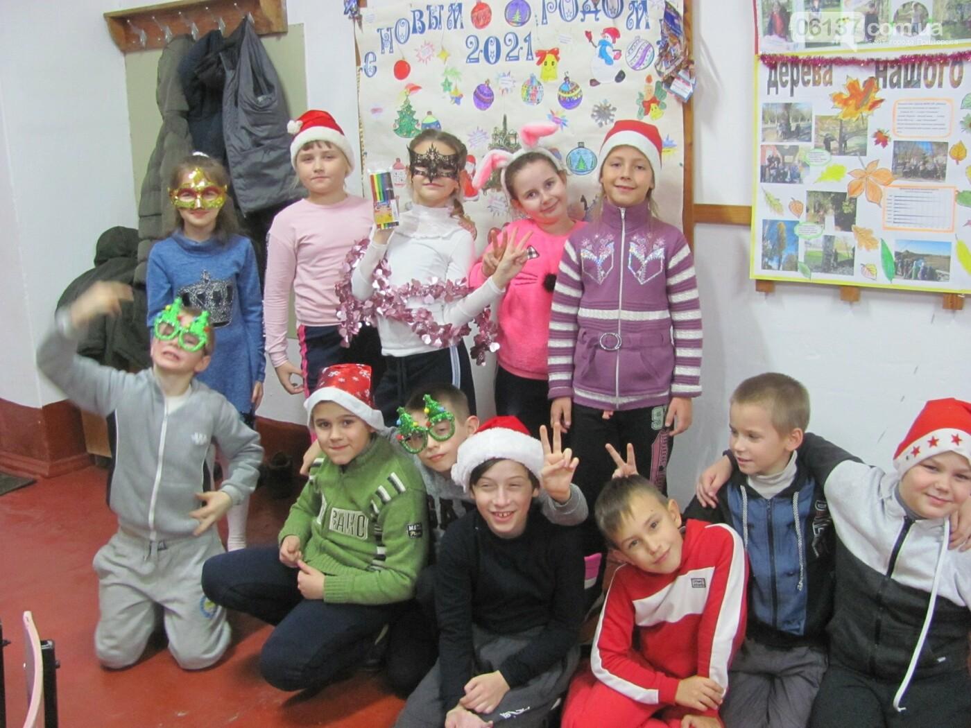 Приморські туристи-оптимісти весело відсвяткували День Святого Миколая, фото-3
