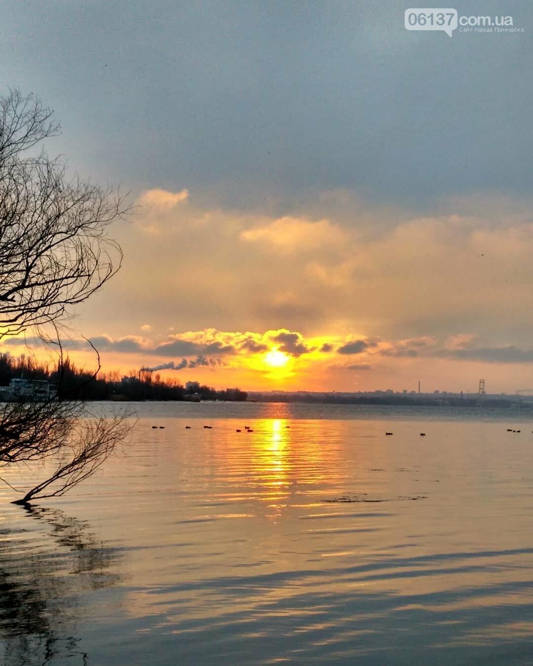 Солнце и лед: рассвет и закат на выходных в Запорожье. Фото  , фото-16