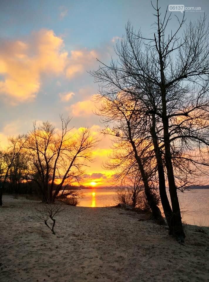 Солнце и лед: рассвет и закат на выходных в Запорожье. Фото  , фото-22