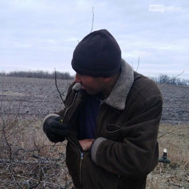 В Запорожской области черный лесоруб бросался на людей с бензопилой. Фото, фото-2