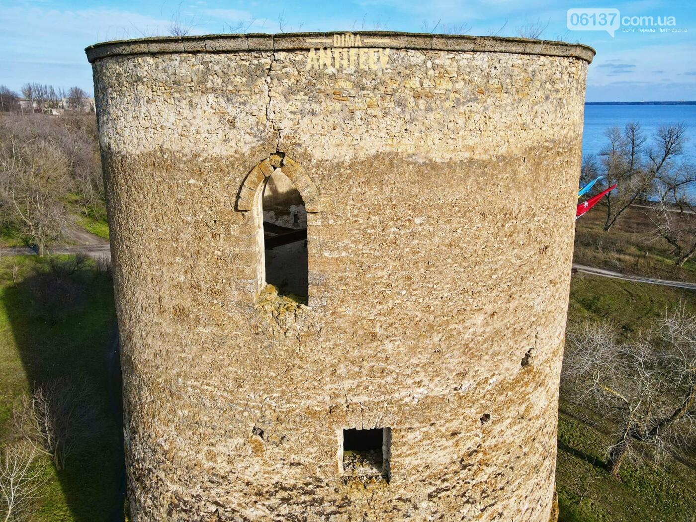 Блогер из Запорожской области показал, как выглядит старинная дозорная башня с высоты. Видео, фото-5
