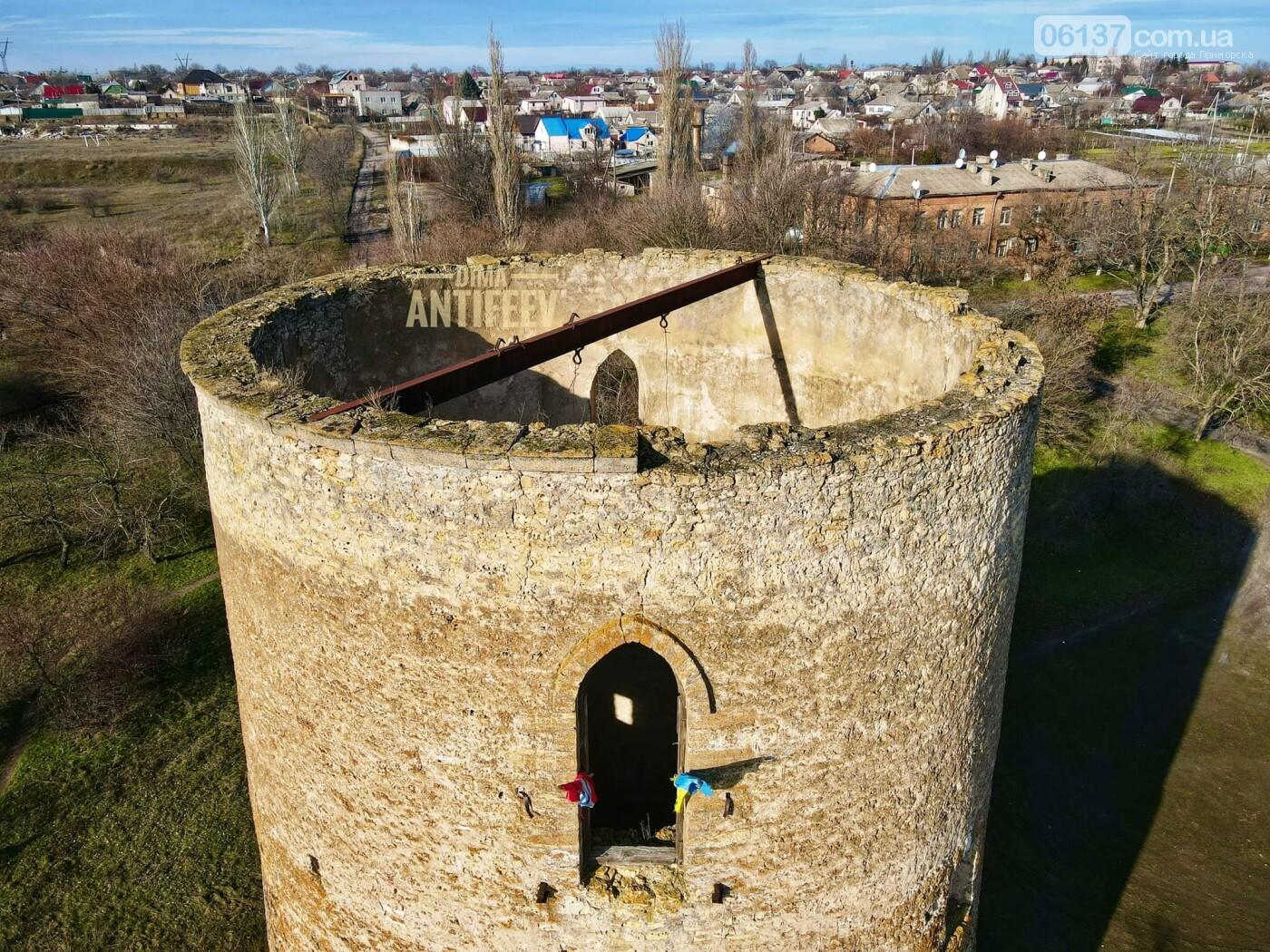 Блогер из Запорожской области показал, как выглядит старинная дозорная башня с высоты. Видео, фото-6