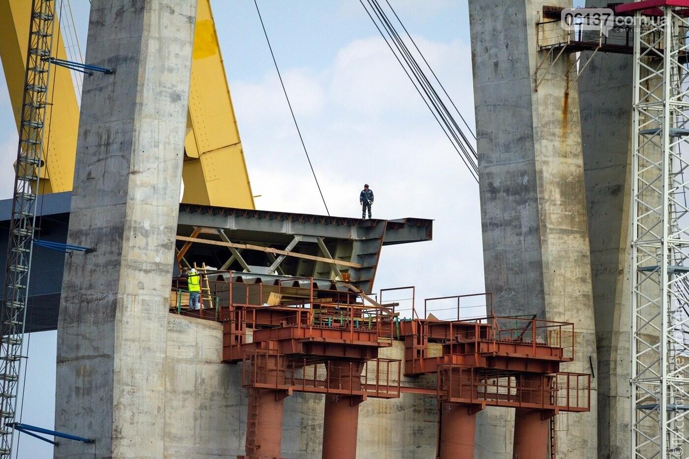 Историческое событие в Запорожье: смонтирован первый сегмент нового вантового моста. Фото, фото-7