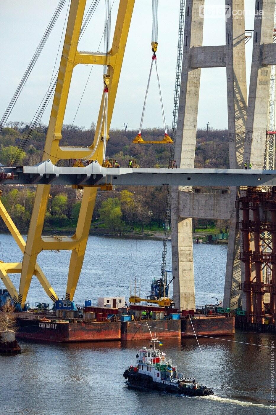 Историческое событие в Запорожье: смонтирован первый сегмент нового вантового моста. Фото, фото-12