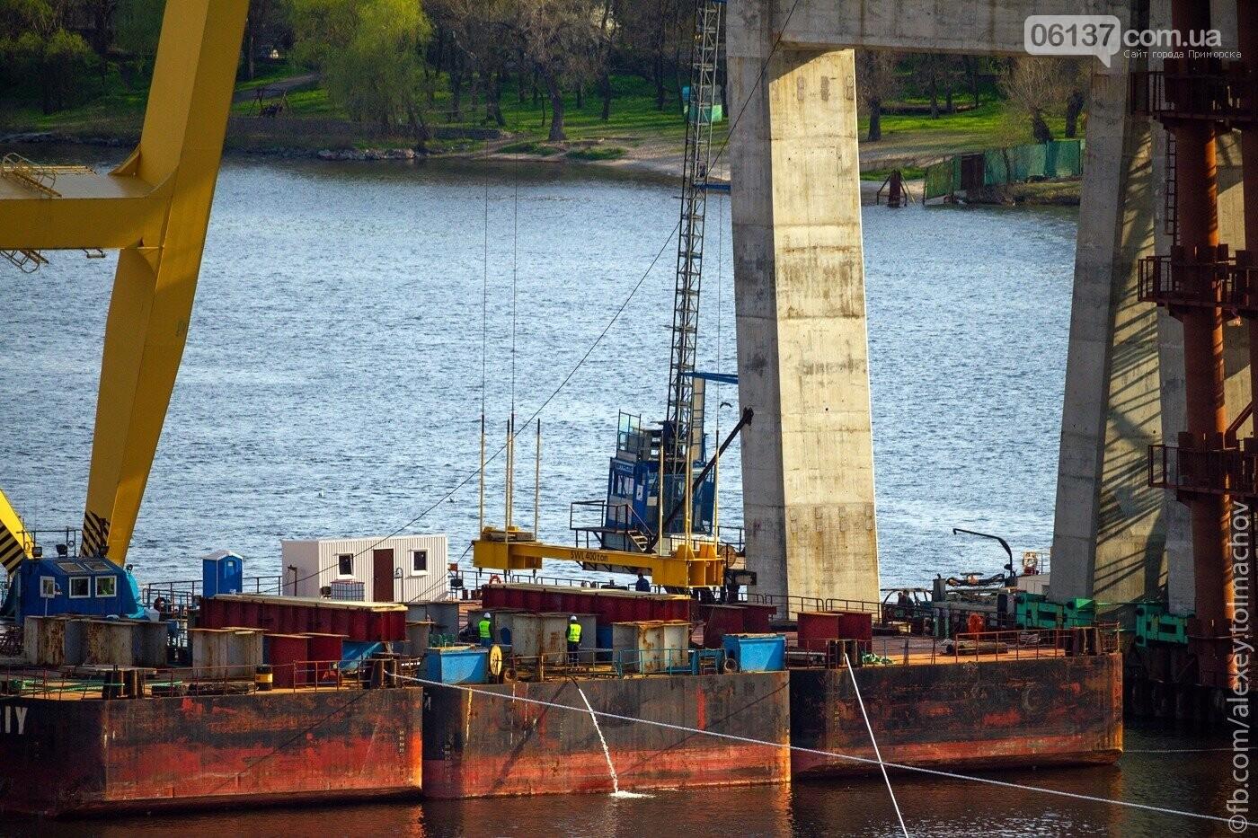 Историческое событие в Запорожье: смонтирован первый сегмент нового вантового моста. Фото, фото-17