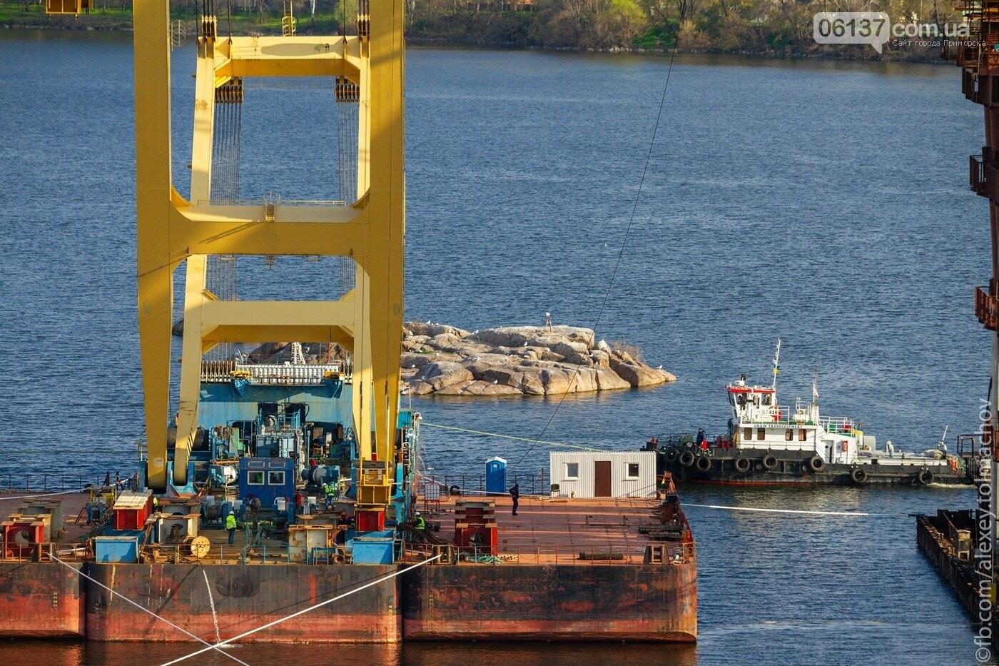 Историческое событие в Запорожье: смонтирован первый сегмент нового вантового моста. Фото, фото-21