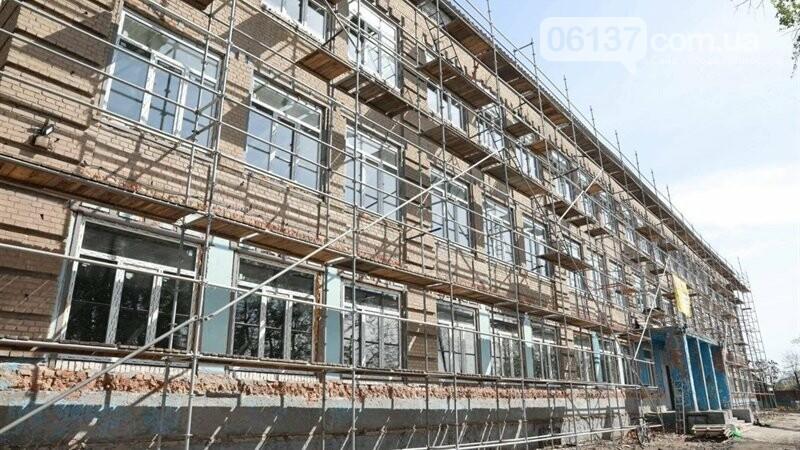 В Запорожье восстанавливают сгоревшую школу, которую обещали сдать еще три года назад. Фото, фото-8