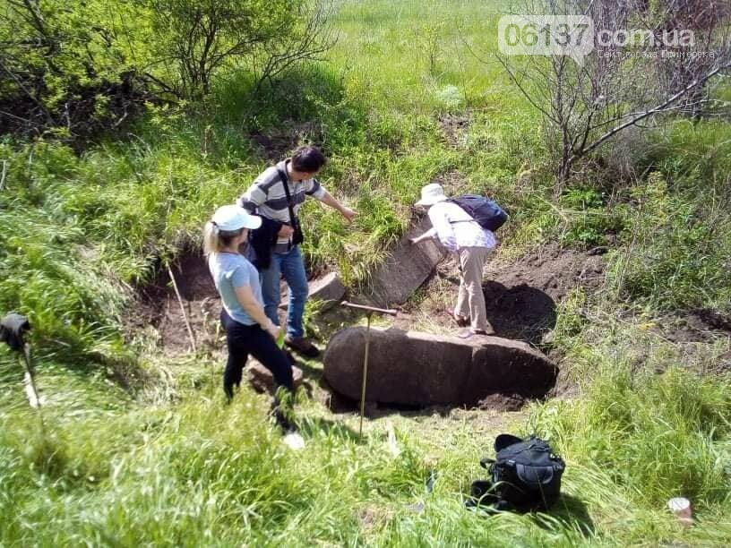 В Запорожской области найдено надгробие основателя меннонитского поселения. Фото, фото-1