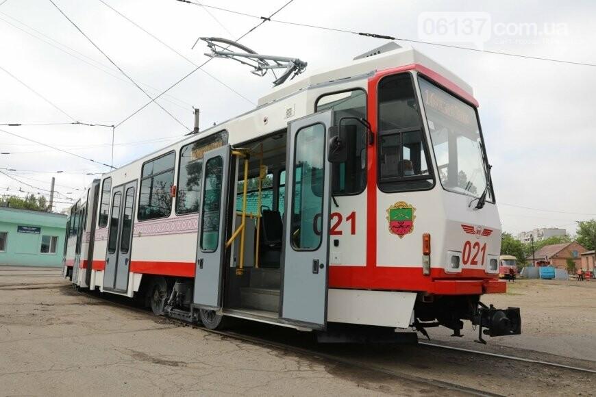 В Запорожье запустили еще один европейский трамвай. Фото, фото-4