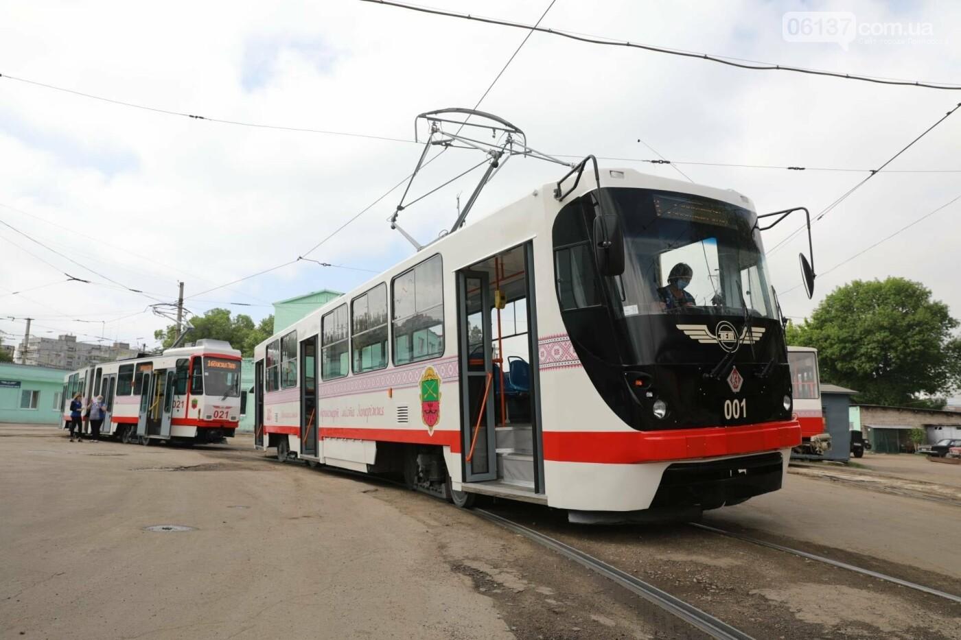 В Запорожье запустили еще один европейский трамвай. Фото, фото-5