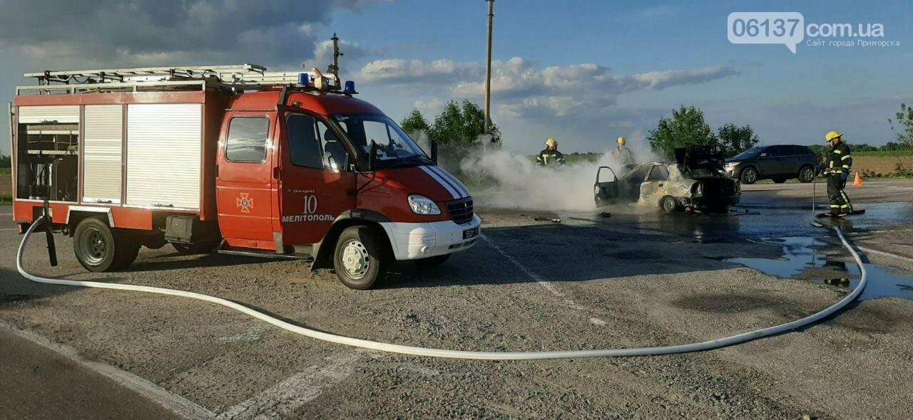 В запорожской области ДТП с возгоранием: пострадали четыре человека. Фото, фото-1