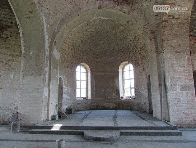 На Запоріжжі реставрують старовинний храм. Фото/Відео , фото-4