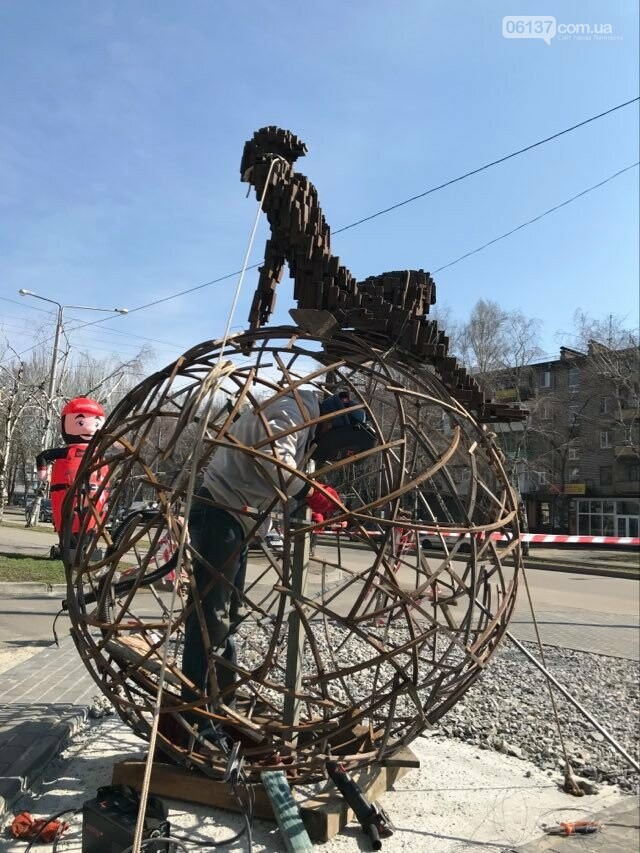 """Авторы скульптуры """"Той, хто мріє"""" поделились процессом создания и рассказали об идее. Фото, фото-7"""